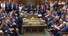 Boris Johnson interviene en el Parlamento.