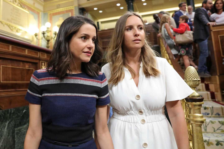 Inés Arrimadas y Melisa Rodríguez llegan al pleno del Open Arms.
