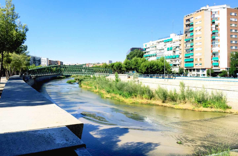 El río a su paso por el Puente de San Isidro después de la renaturalización