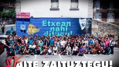 """Brindis por los presos de ETA en las fiestas de Etxarri Aranatz: """"Os queremos"""""""