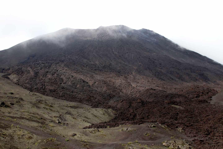 Un río de lava seco del volcán Pacaya