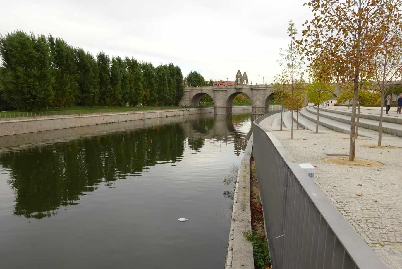 Puente de Toledo antes de la renaturalización