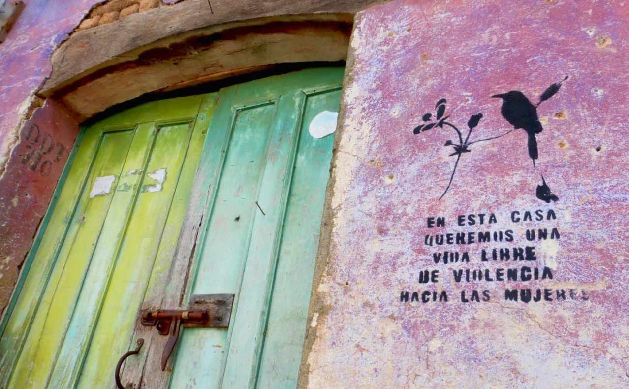 El sello que lucen muchas casas del pueblo de Suchitoto