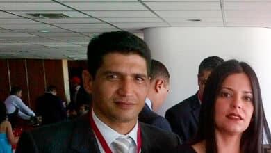 """""""El chavismo mató al capitán Acosta, mi marido, para amedrentar a los militares"""""""