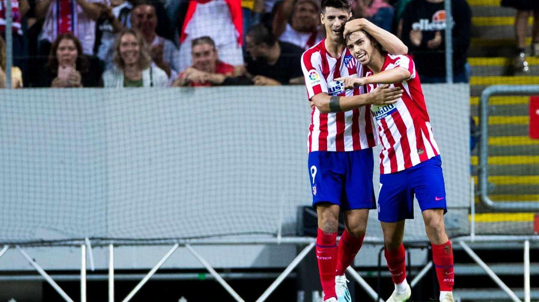 Los jugadores del Atlético de Madrid Álvaro Morata y João Félix.