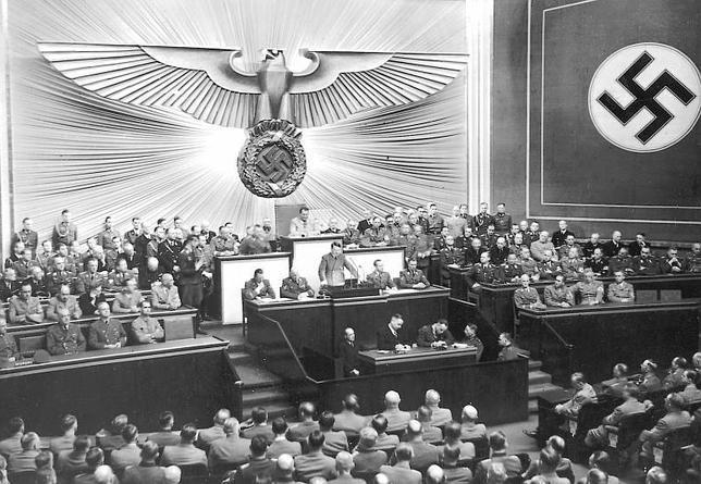 Hitler anunciaba que Alemania respondió a la ofensiva polaca