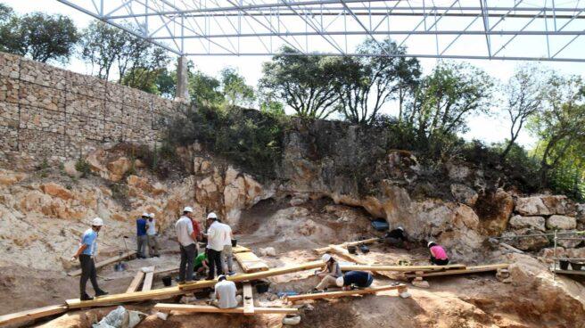 Excavación en la Cueva Fantasma.