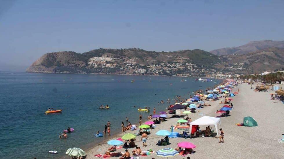 La playa de Almuñécar (Granada), en una imagen de archivo.