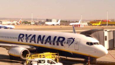 Ryanair obliga a toda la plantilla a estar tres meses en paro cada año para no cerrar la base de Girona