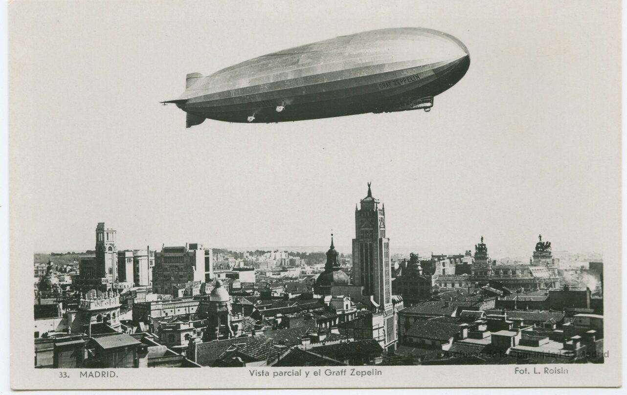 Graff Zeppelin sobre la Gran Vía de Madrid