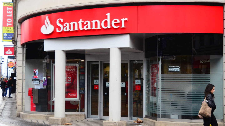 Santander asume un impacto de 1.500 millones por el deterioro de su negocio en Reino Unido.
