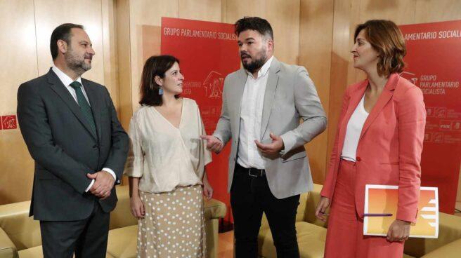 José Luis Ábalos, Adriana Lastra, Gabriel Rufián y Carolina Telechea, en el Congreso.