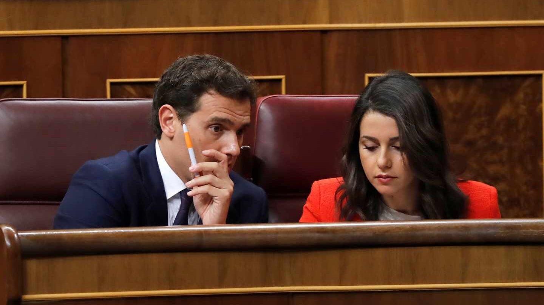 El líder de Cs, Albert Rivera, junto a la portavoz en el Congreso, Inés Arrimadas.