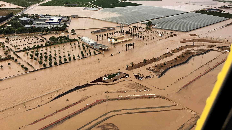 Fotografía aérea cedida por la Dirección General de Seguridad Ciudadana y Emergencias en la localidad murciana de Los Alcázares