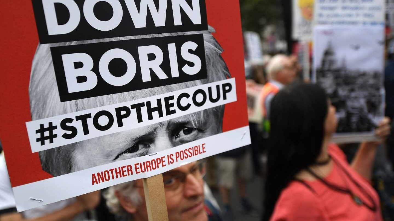 Los detractores del Brexit se manifiestan contra la gestión de Boris Johnson.