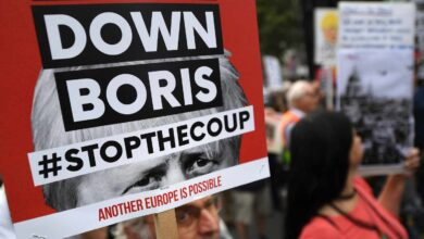 Caos, disturbios y carestía con un Brexit salvaje: el plan secreto de Boris Johnson