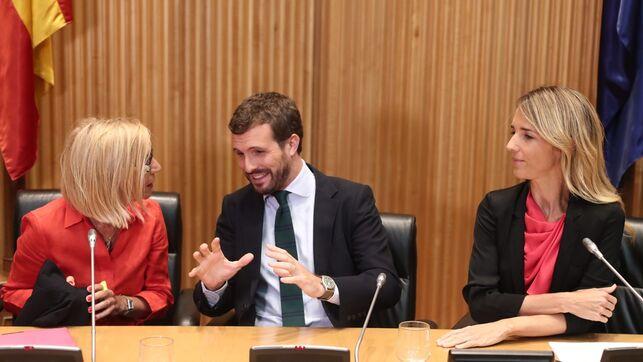 Rosa Díez, Pablo Casado y Cayetana Álvarez de Toledo en el Congreso