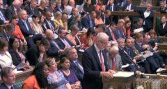 El líder laborista, Jeremy Corbyn, en el Parlamento británico, en la sesión de preguntas al primer ministro Johnson.