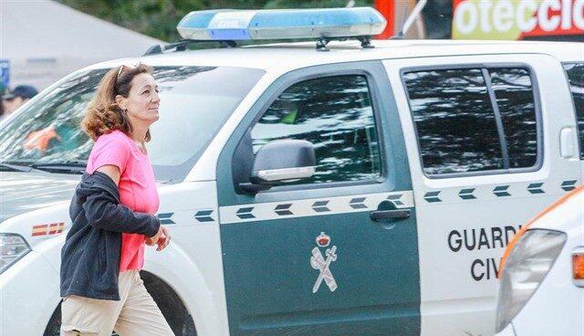 La hermana de Blanca Fernández Ochoa, Dolores Fernández Ochoa, durante el operativo de búsqueda en la sierra de Madrid.