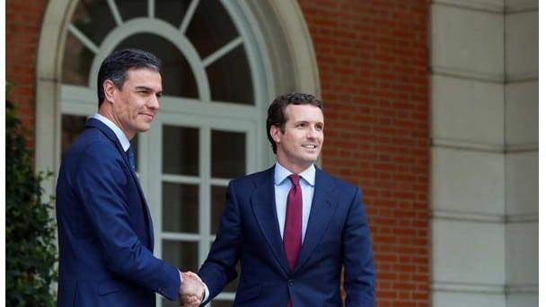 """El entorno de Sánchez hace llegar a Casado que el """"gobierno progresista"""" no está cerrado"""