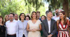 Susana Díaz, con los parlamentarios socialistas en Andalucía.