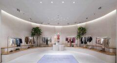 Interior de la tienda de Zara de Dubai, la mayor del mundo de una sola planta.