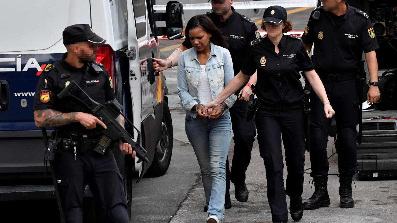 Ana Julia Quezada, trasladada a la sala en la que se celebra el juicio.