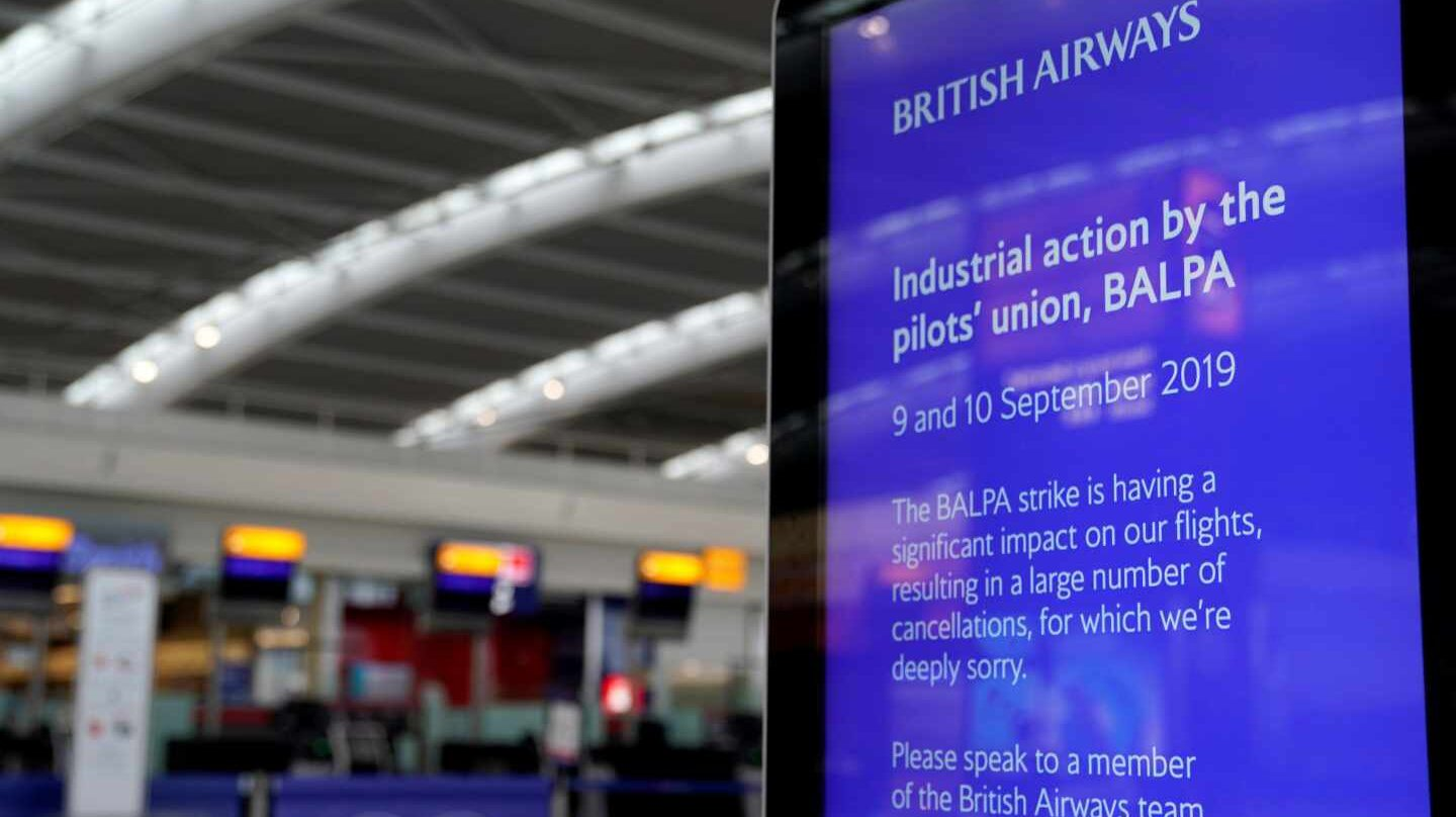 Cartel informativo sobre la huelga de pilotos de British Airways.