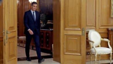 S&P 'regala' a Pedro Sánchez su primera subida de rating pese al bloqueo político