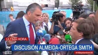 Almeida se encara con Ortega Smith tras reventar el minuto de silencio por la mujer asesinada en Madrid