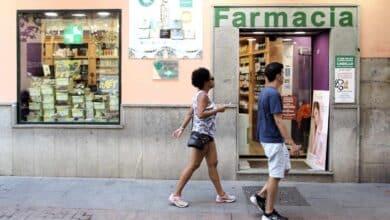 La ministra de Sanidad pide a las farmacias que no dispensen medicamentos sin receta