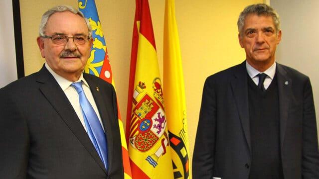El presidente del fútbol valenciano encargó a su propia empresa servicios por 2,4 millones