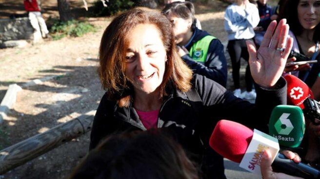 Dolores Fernández Ochoa hablando con la prensa durante la bDolores Fernández Ochoa hablando con la prensa durante la búsqueda de su hermana. úsqueda de su hermana.