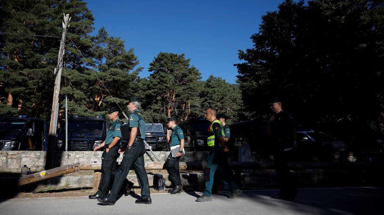 Agentes de la Guardia Civil, durante el operativo de búsqueda de Blanca Fernández Ochoa.