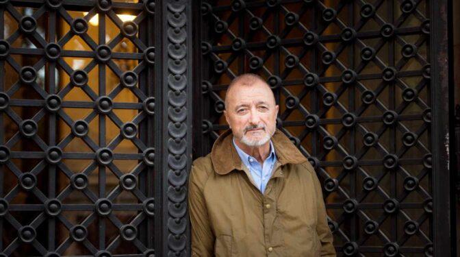 Pérez-Reverte y Ramón Andrés ganan los Premios de la Crítica 2020