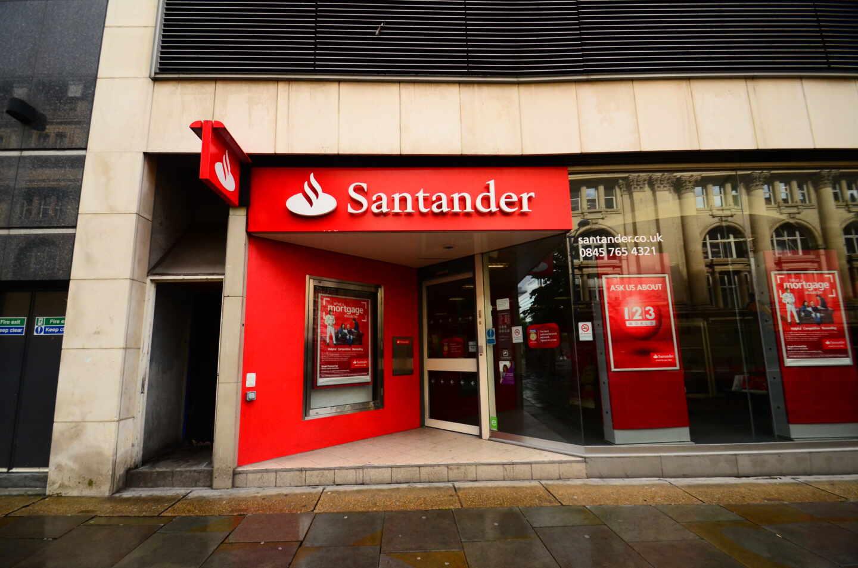 El coste de los seguros contra impago de Santander UK se duplican en 18 meses a las puertas del Brexit.