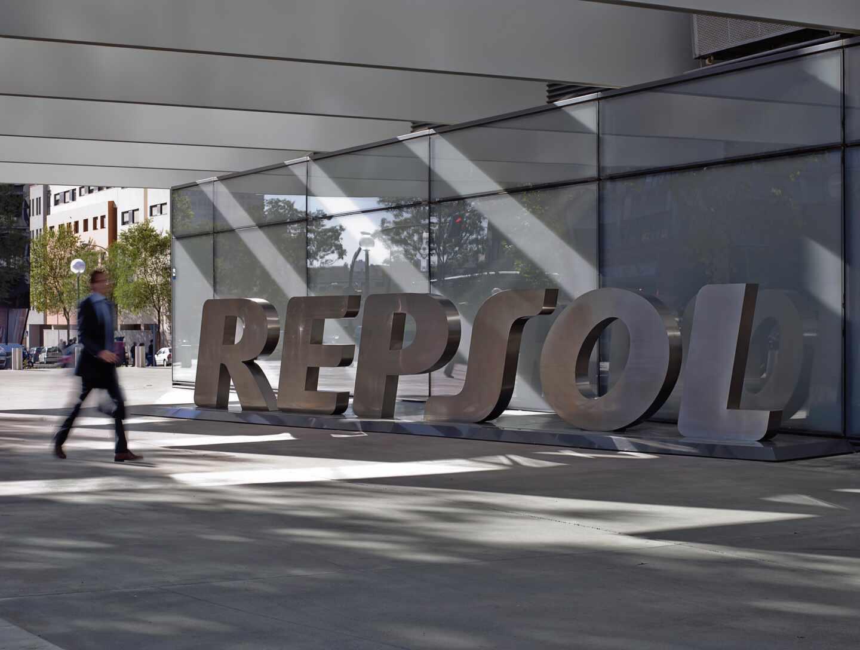 Repsol pierde 2.484 millones tras impactos históricos por el Covid de casi 2.700 millones