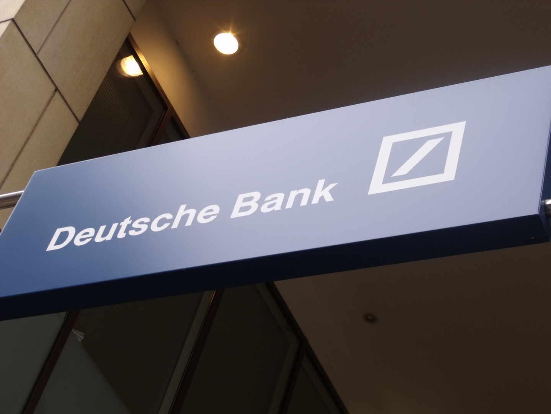 Deutsche Bank cerrará 12 oficinas y 49 sucursales en España.