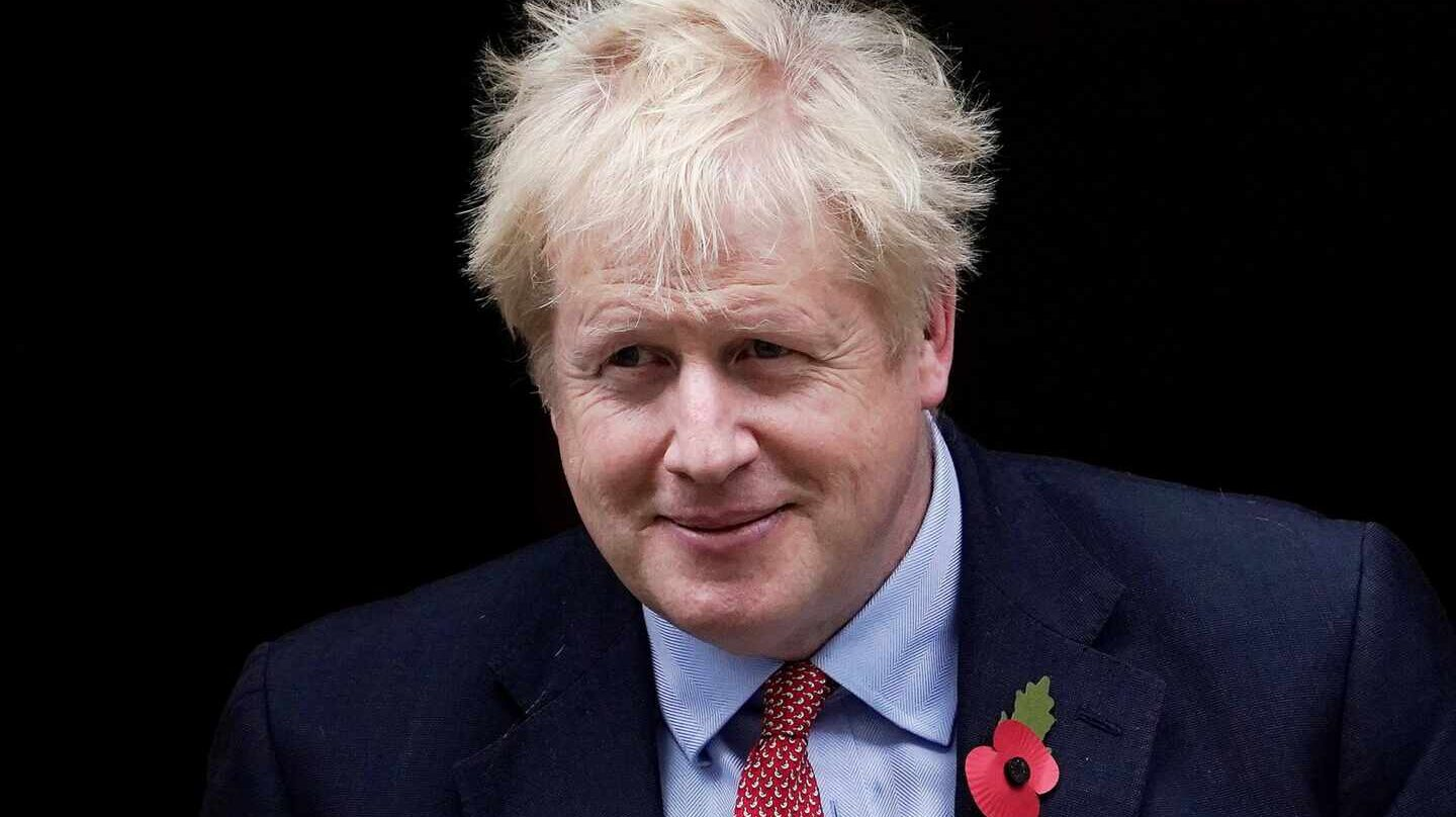 Boris Johnson en Downing Street este martes.