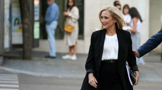 Cifuentes, de candidata a suceder a Rajoy a tertuliana estrella de televisión