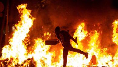 Balance del caos en Cataluña: 72 agentes heridos, 30 detenidos y destrozos urbanos