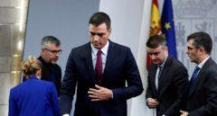 Estupor en el Gobierno y el PSOE por las rectificaciones de Moncloa sobre Cataluña