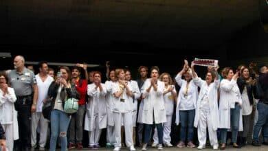 """Escrache en el hospital Sant Pau a Pedro Sánchez: """"¡Desgraciado, cabrón!"""""""