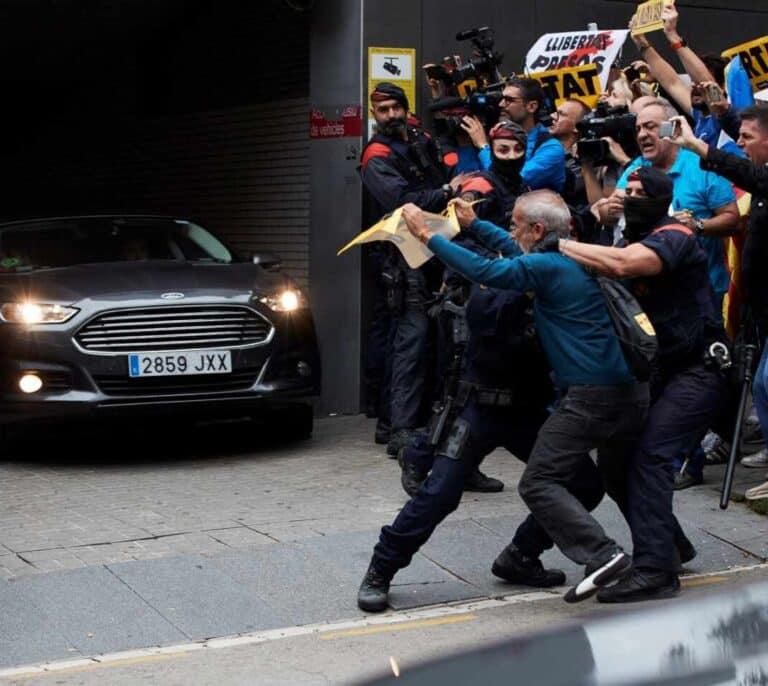 Pedro Sánchez, cuatro horas blindado en Barcelona: subfusiles y sin agenda conocida