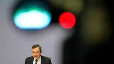 El Constitucional alemán cree que la compra de bonos de Draghi es parcialmente ilegal