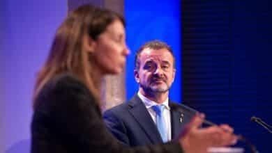 """El Govern nombra delegados para las tres """"embajadas"""" impugnadas por Borrell"""