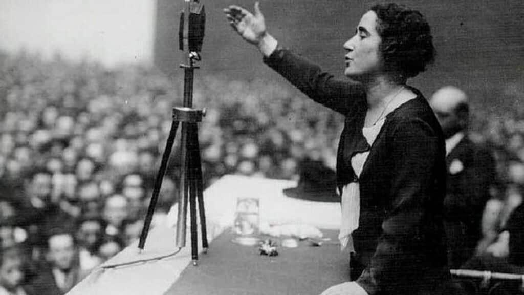 Clara Campoamor en un discurso histórico
