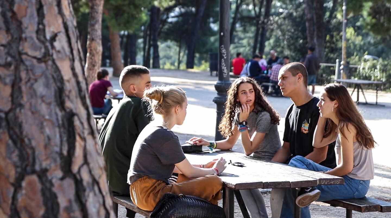 El grupo de jóvenes reunido por El Independiente debaten sobre política