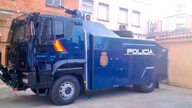 Malestar entre los policías por no poder usar el camión de agua para frenar a los violentos