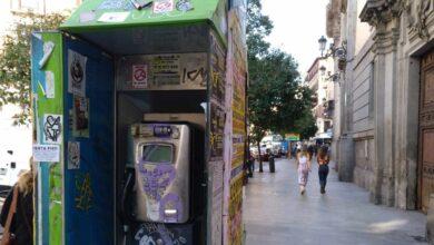 El Gobierno volverá a alargar la vida de las cabinas telefónicas por el bloqueo político